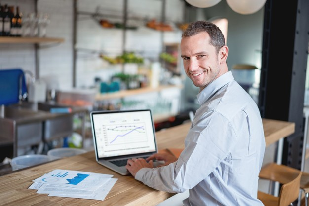 hire an energy consultant
